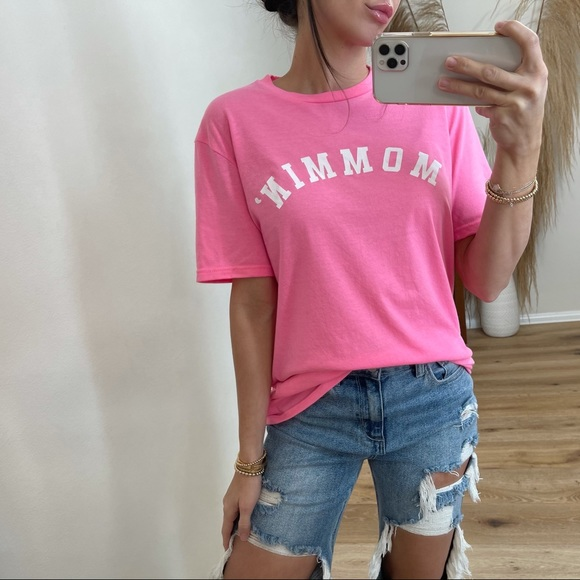 New• The Mommin Tee   Hot Pink